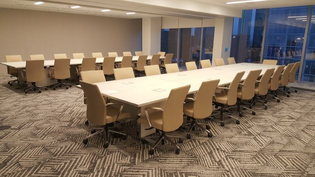 Approach   Reconfigurable Table   Custom   Satin Glass Top   Brushed Aluminum Edge
