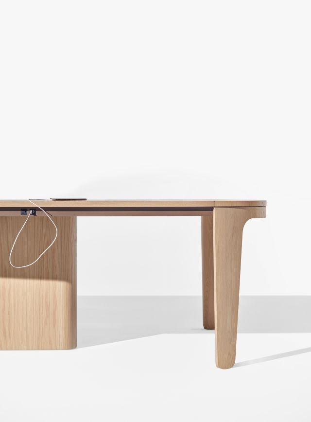 Alev Meeting | Conference Table | Dune Veneer | Segmented Top | Wire Management