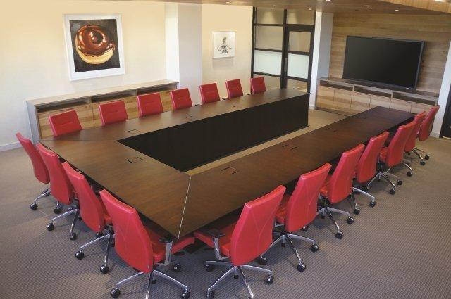 Ativa | Conference Table | M26 Walnut Veneer | U Shape