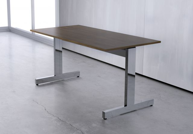 Fleet | Training Table | Edge-Mounted T-Leg | Square Edge
