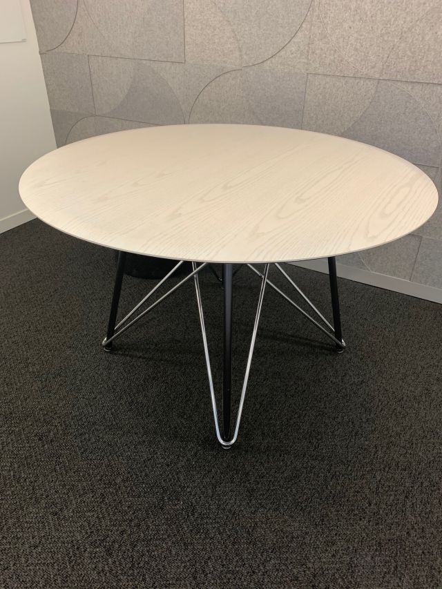 Baja | Meeting Table | Blanco Ash Veneer | Polished Chrome and Black Powdercoat Wire Frame Base