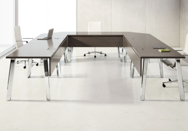 Agility | Reconfigurable Tables | Walnut G30 Zinc Veneer | U Shape Configuration