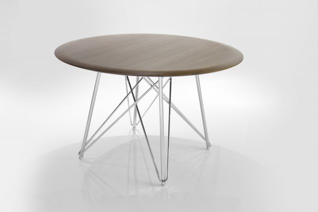 Baja | Meeting Table | Round M07 Bramble on Rift Cut Oak | Polished Chrome Base