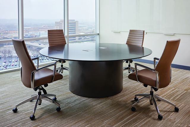 Flow | Conference Table | Round G96 Coco Cherry Veneer | Veneer Cylinder Base