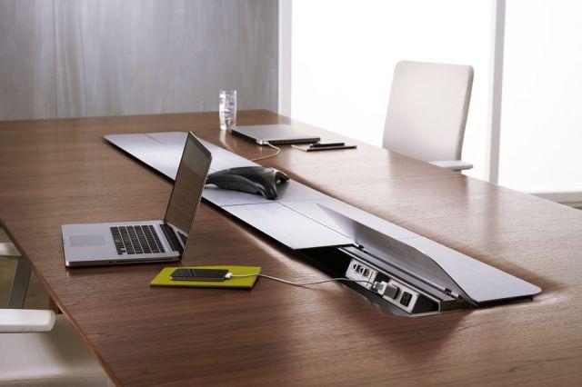 Flow XT   Conference Table   Veneer Top   Power Island   Open Doors