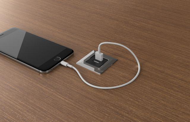 USB Spec   Black   Square   M27 Walnut Linea Veneer