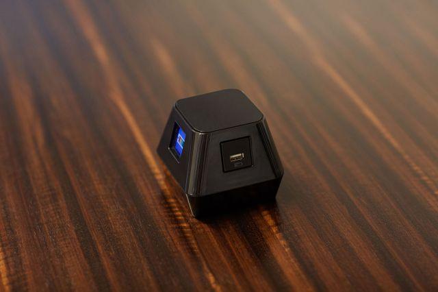 Charging Cube   Veneer Background