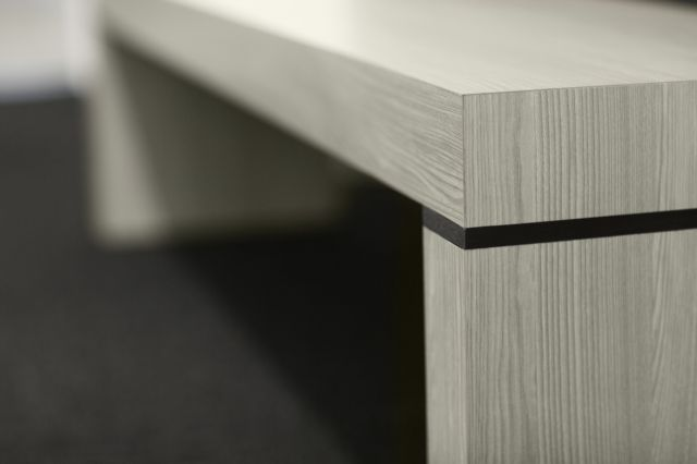 Tesano | Custom| Bench | Weathered Ash Laminate | Detail