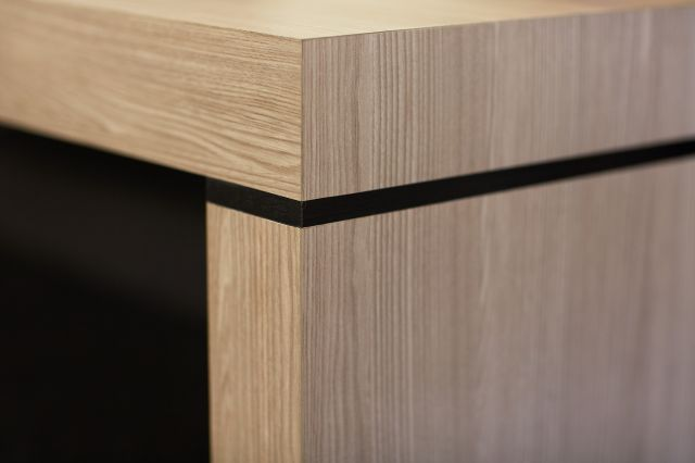 Tesano | Bench | Custom | Aged Ash Laminate | Detail