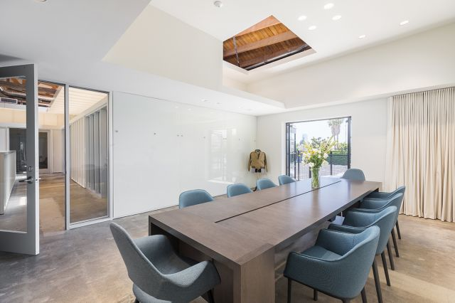 Preston | Community Table | Flaky Oak Veneer | Cedar Park Entertainment | OBERMREYER Architecture | Hauptli Haus Interior Design | @mrbarcelo Photography