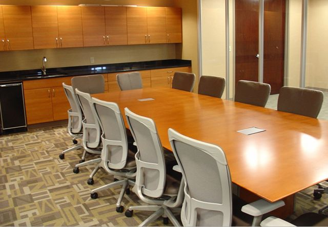Saber | Conference Table | Rectangle Veneer Top | Panel Base
