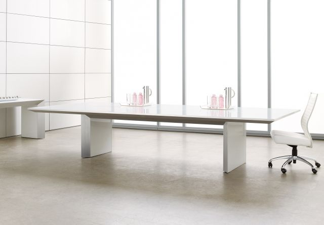 Tavola | Conference Table | White Glass Rectangle Top | With Chair