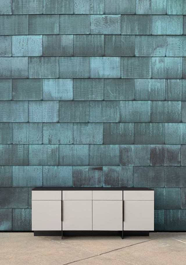 Forena | Credenza | Moonlight Lacquered Polyester | Satin Black Glass Top | Copper Background